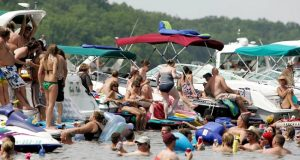 Americans party as coronavirus death toll nears 100,000 Lake of Ozarks 300x160